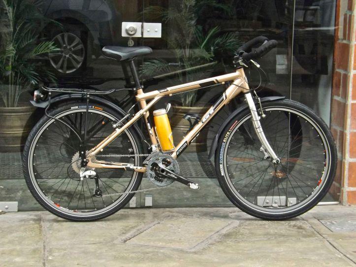 Mi bici para viajar fue armada en Emancipación, aunque escogí las piezas personalmente y traje muchas de Europa.